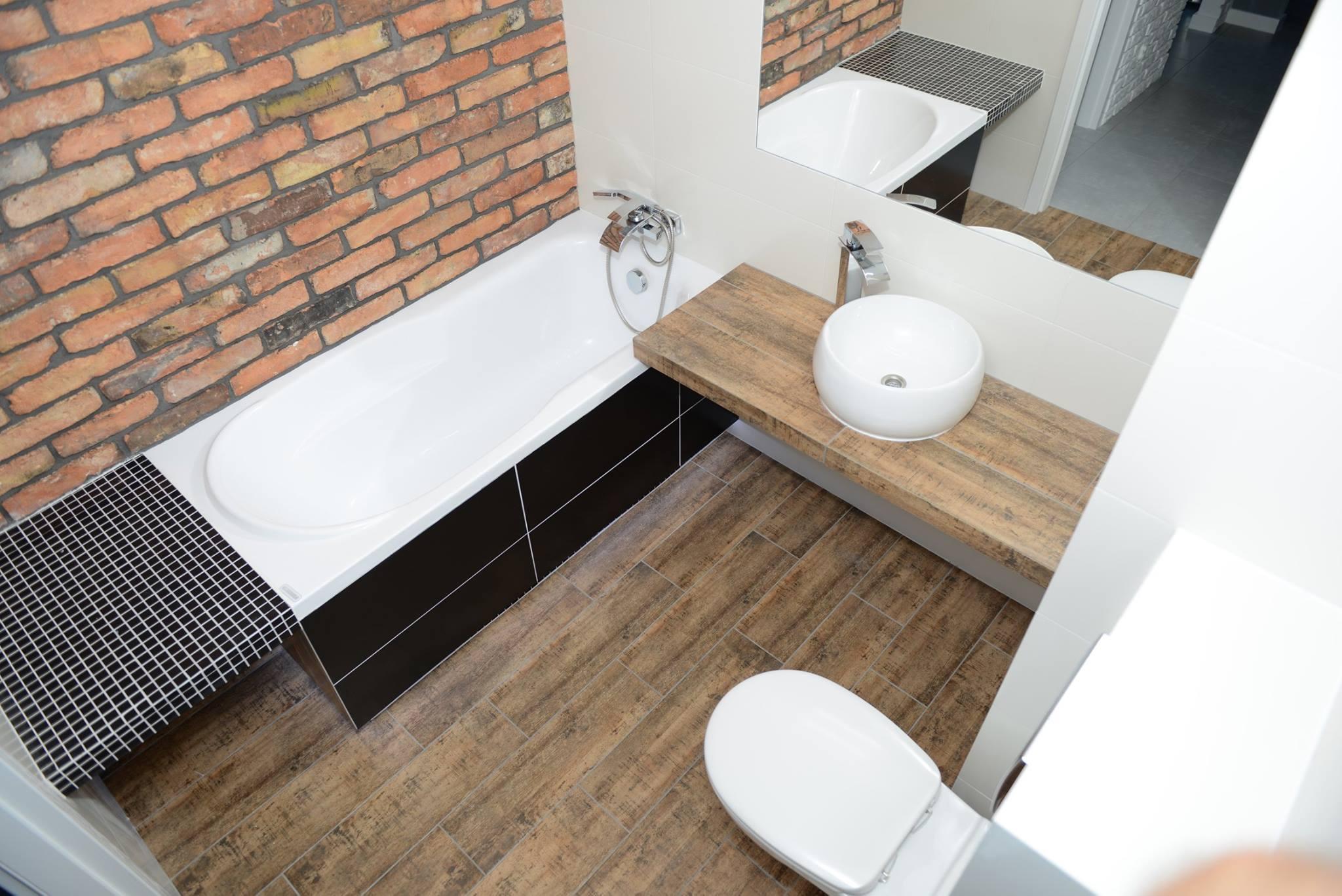 cegła klasyczna w łazience