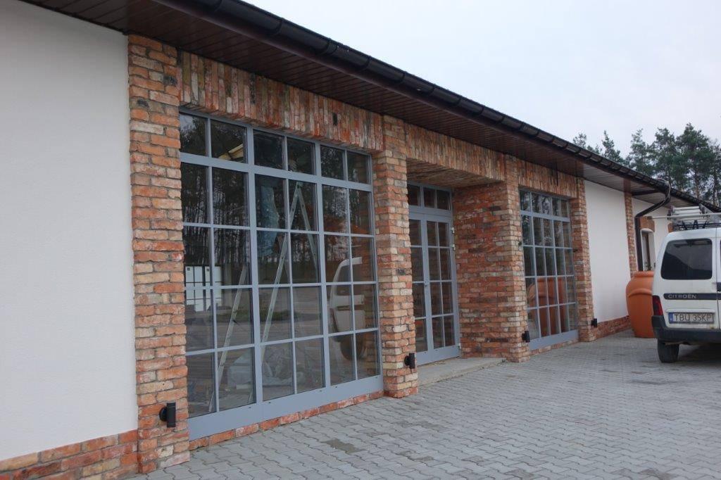 wykorzystanie cegły lico na zewnątrz